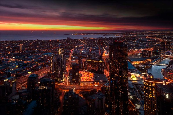 view-melbourne-eurekaskydeck-night-sunset