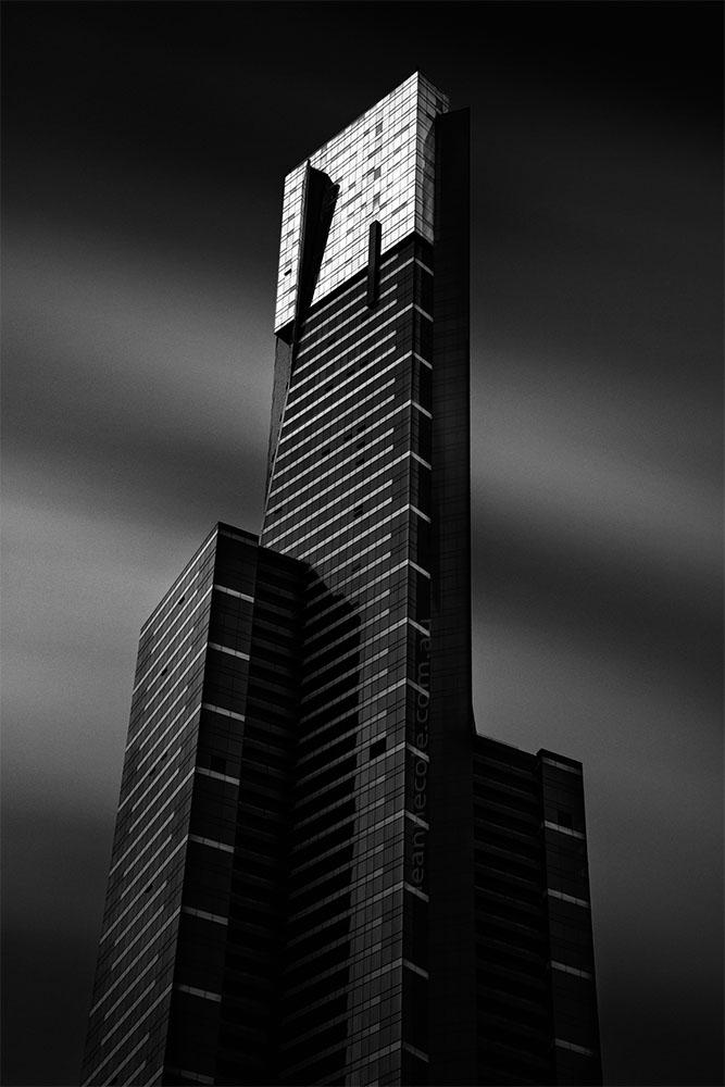 eureka-building-melbourne-longexposure-monochrome