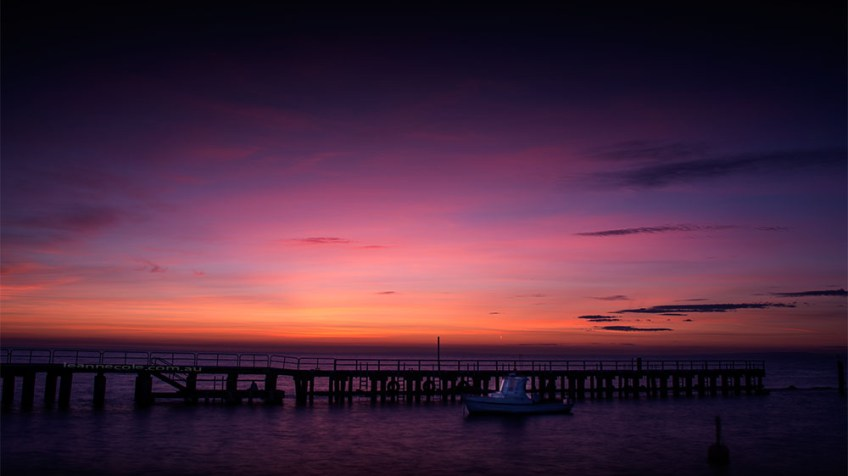 stleonards-pier-sunrise-boat-victoria