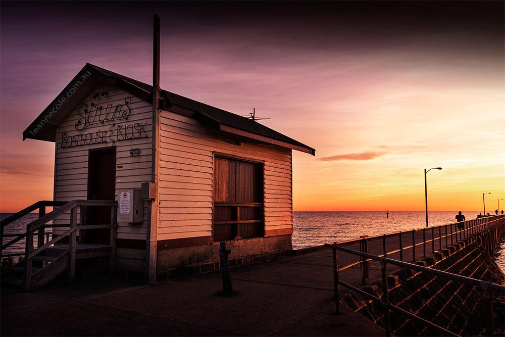 stleonards-sunrise-kiosk-pier-victoria