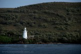 strahan-tasmania-boats-harbour-lighthouse-2690
