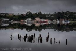 strahan-tasmania-boats-harbour-lighthouse-3016
