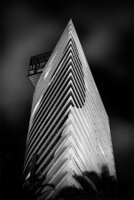 building-docklands-monochrome-melbourne