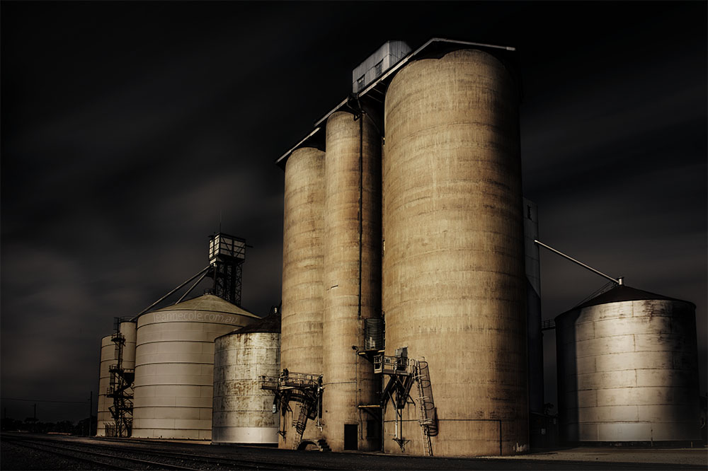 woomelang-silos-long-exposure-victoria