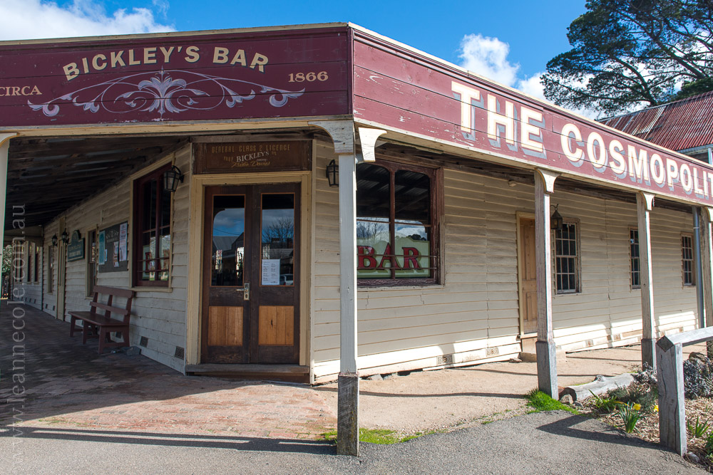trentham-trainstation-waterfall-pub-victoria-3927