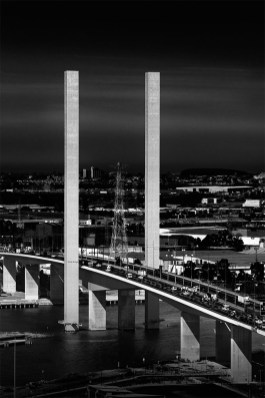 bolte-bridge-straight-height-monochrome