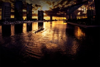 docklands-sunset-rowers-melbourne-yarrariver