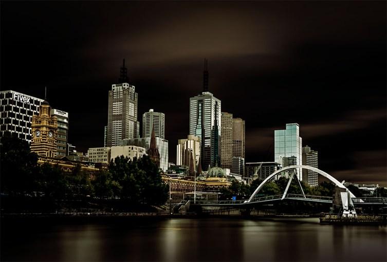 melbourne-long-exposure-river-southbank