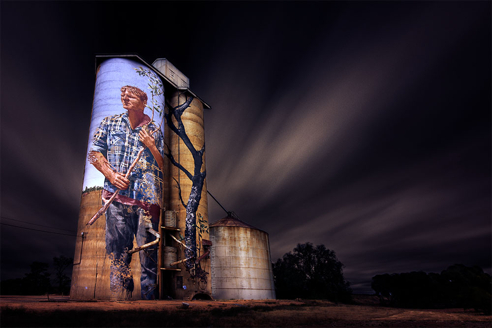silos-painted-patchewollock-long-exposure