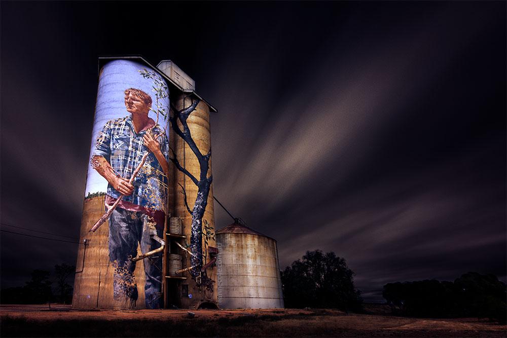 silos-painted-patchewollock-long-exposure