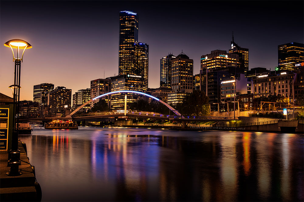 southbank-evanwalker-bridge-skyline-melbourne
