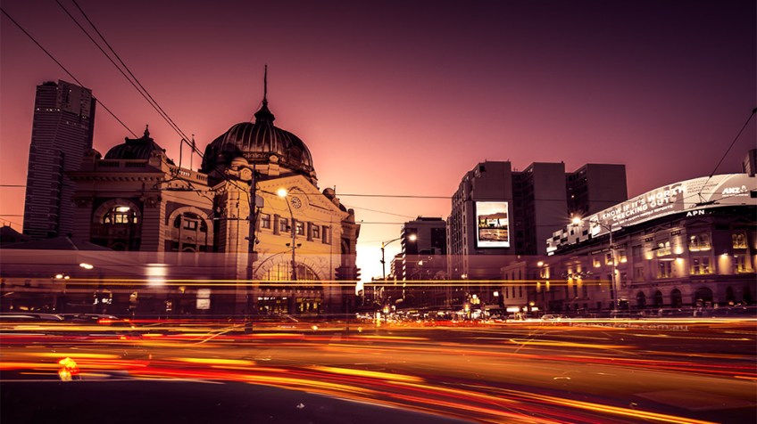 flinders-street-station-light-trails-melbourne