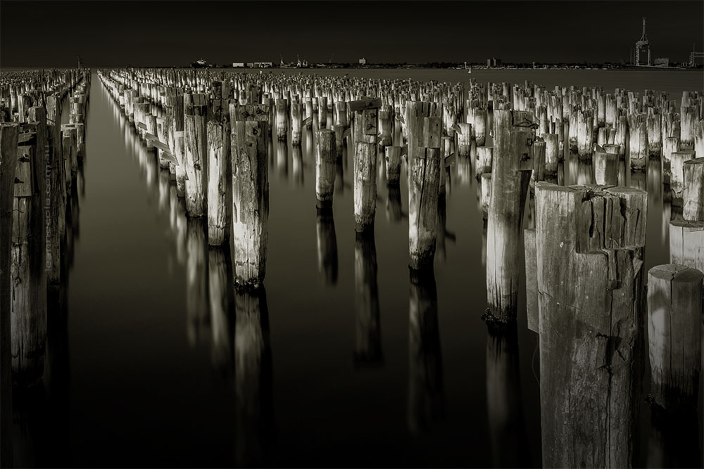princes-pier-reflections-longexposures-monochrome