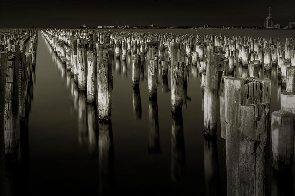princes-pier-reflections-longexposures-monochrome