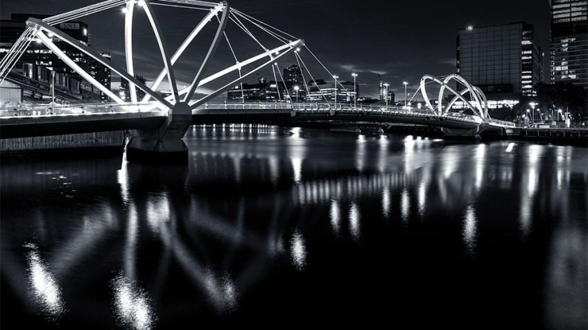 seafarer-bridge-night-monochrome-melbourne