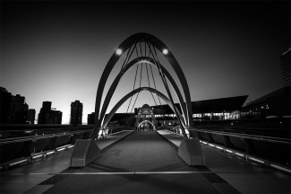 seafarers-bridge-melbourne-monochrome