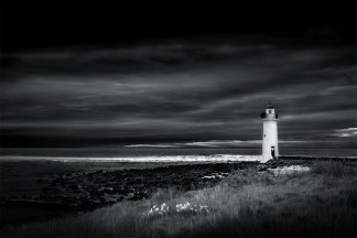 monochrome-portfairy-lighthouse-seascape-morning