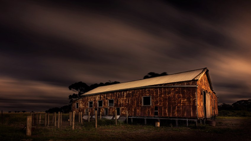 shearing-shed-woomelang-long-exposure