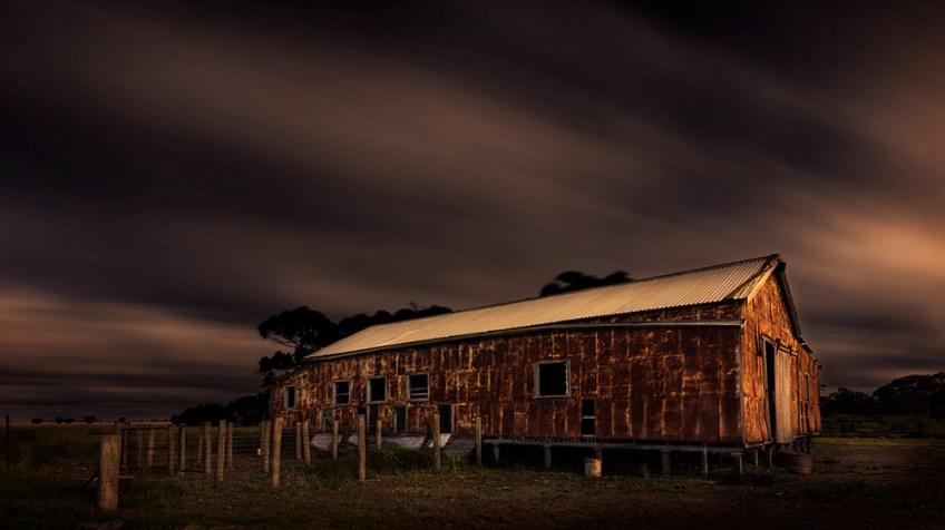 shearing-shed-woomelang-long-exposure