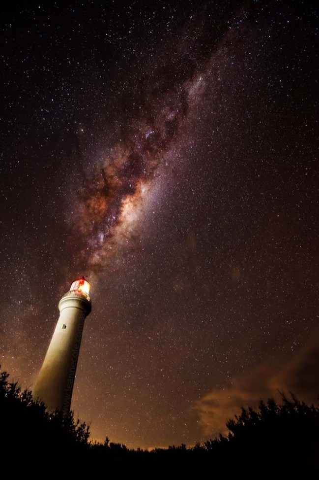 aireysinlet-milkyway-lighthouse-stars-astrophotography
