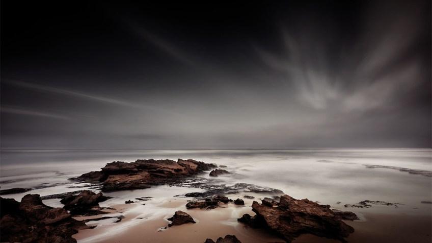sorrento-backbeach-longexposure-rocks-water