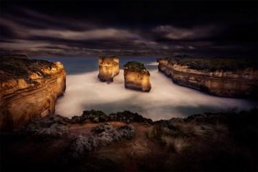 tom-eva-greatoceanroad-ocean-gorge