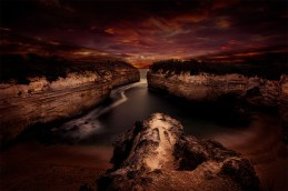 sunset-lochard-gorge-greatoceanroad-australia