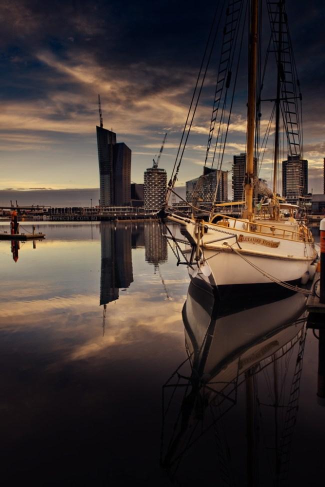 docklands-boat-morning-reflections-melbourne