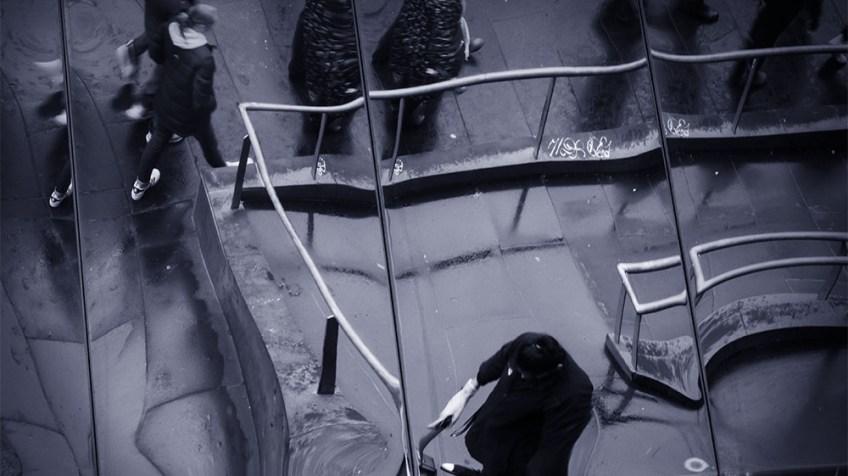 city-rain-abstract-street-monochrome-header