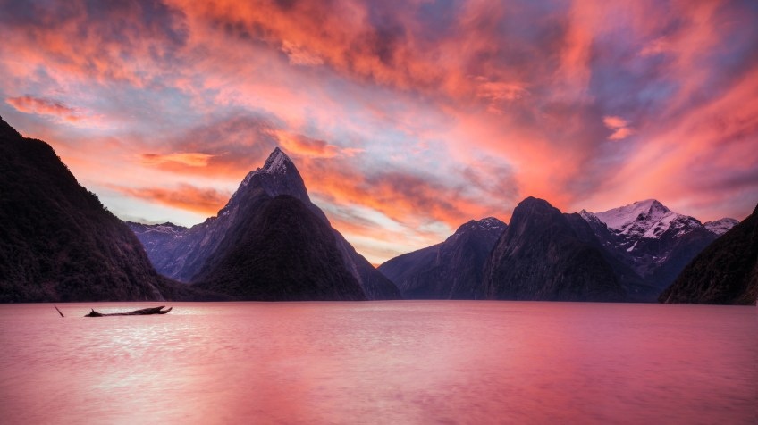 Trey Ratcliff - Milford Sound - The Milky Pink Sea at Milford Sound-X5