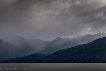 doubtfulsound-weather-waterfalls-newzealand-boat-0534
