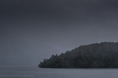 doubtfulsound-weather-waterfalls-newzealand-boat-0645