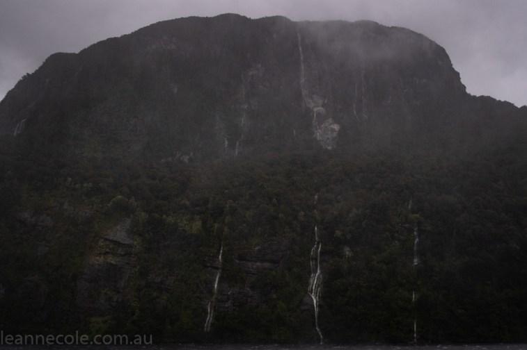 doubtfulsound-weather-waterfalls-newzealand-boat-0703