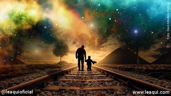 uma figura de um adulto de mãos dadas com uma criança caminhando com um horizonte vida pós-pandemia