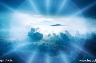 uma luz que atravessa as nuvens mostrando vida humanidade