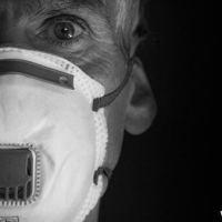 Coronavírus fica no ar, use máscara, alertam cientistas