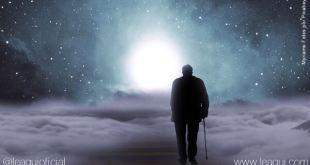 Ilustração de um senhor de idade caminhando sob nuvens em direção a um foco de luz dor perda pessoas