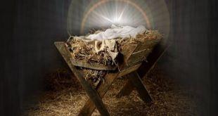 manjedoura com um pano branco e um grande brilho de luz mensagem de Natal de Joanna de Ângelis