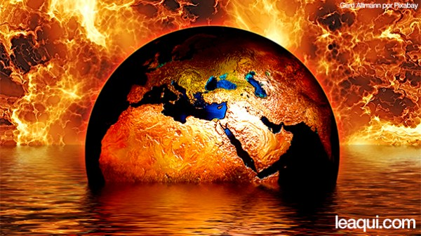 ilustração de um globo terrestre meio imerso em água com muito fogo por trás o mundo está precisando de novas ideias