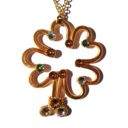 Shamrock Pendant Gold Fresh Greens