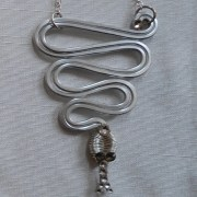 snake-necklace-silver-moonlight-detail