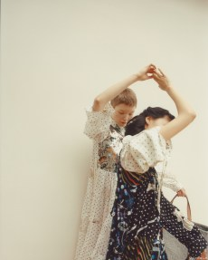 capture one RAW photo editor femininity blogpost Annie Lai 2 women