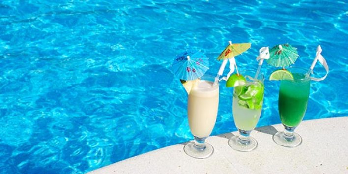 7 Tips for Hosting a Summer Pool Party :: CompactAppliance.com