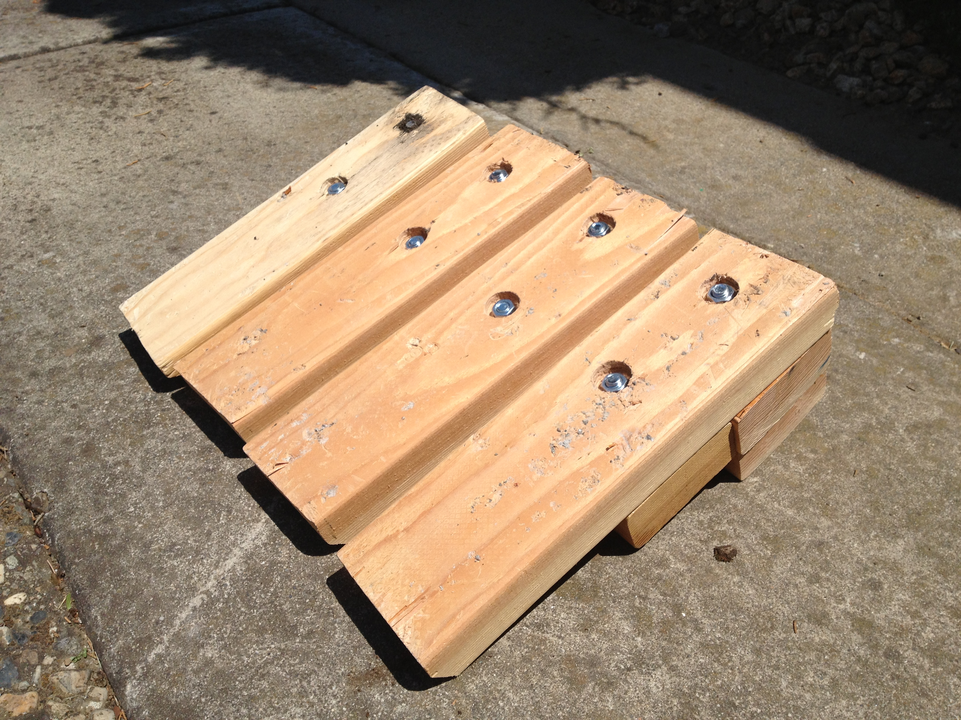 Diy curb ramp for cars learnbyblogging 2013 07 21 125217 solutioingenieria Image collections