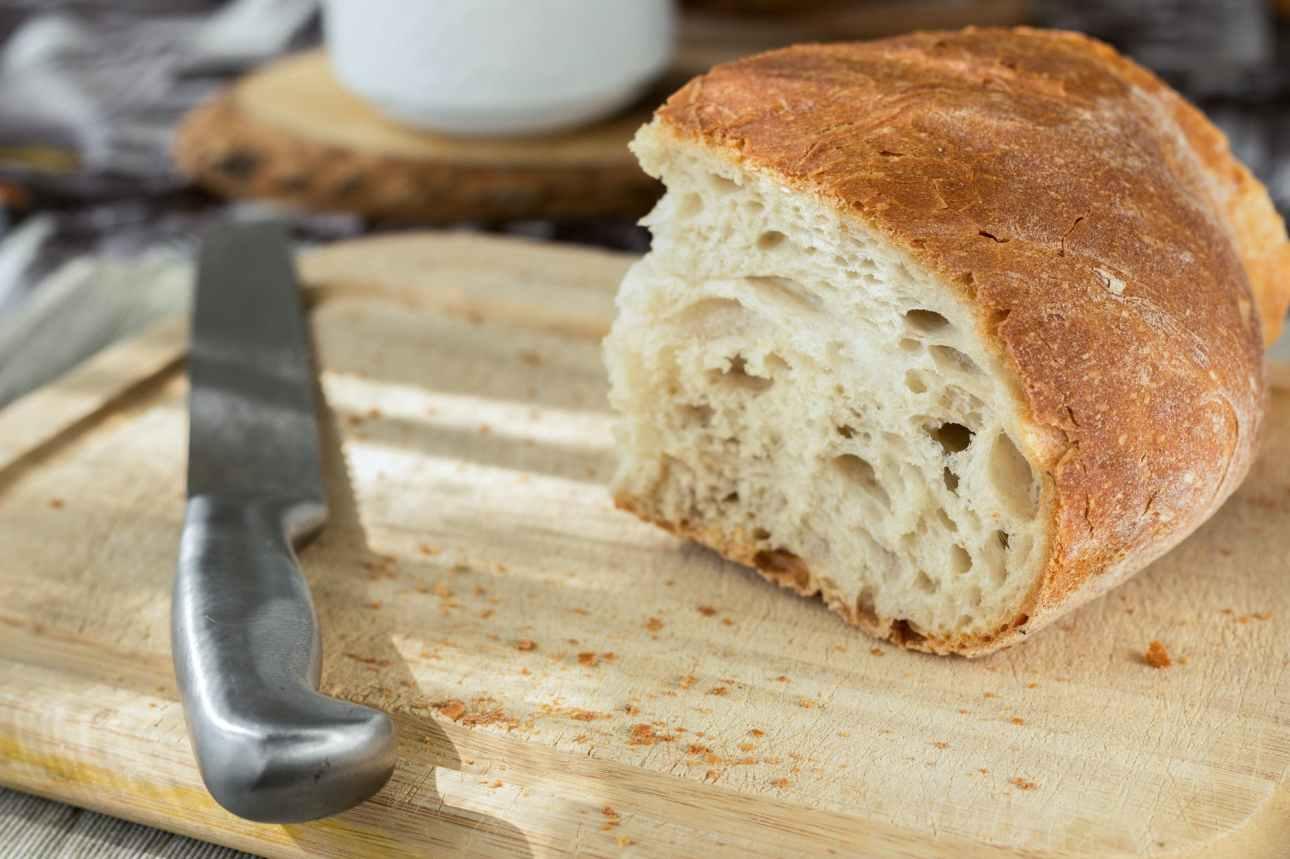 avoir du pain sur la planche origin