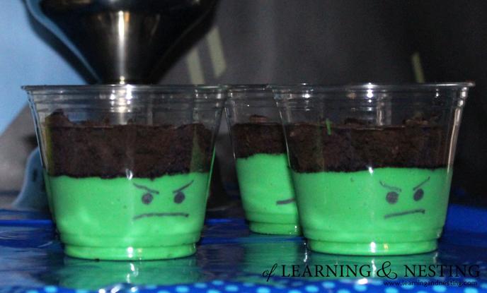 superhero-birthday-hulk-pudding