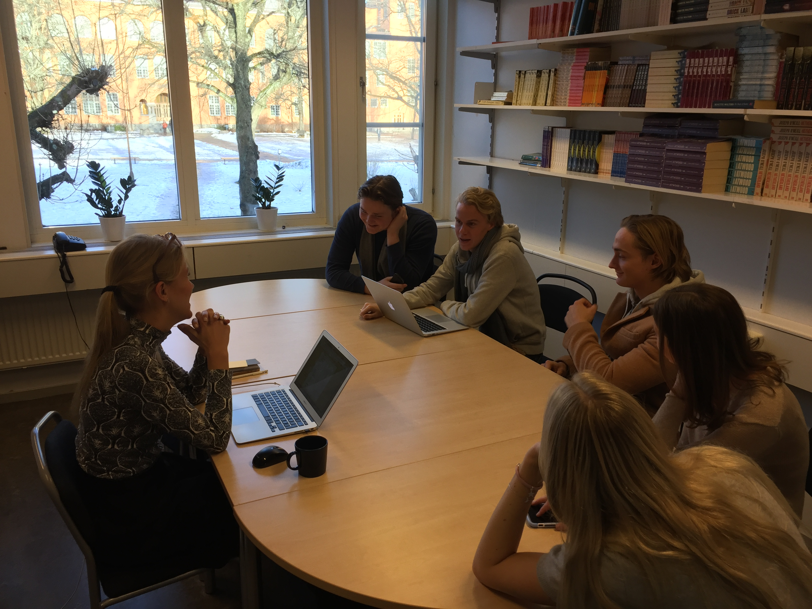 » Students explain Swedish culture to non-Swedes in their year 1 project