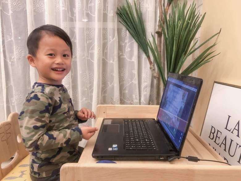 孩子笑容是一切的動力