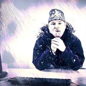hombre pasando frio oficina