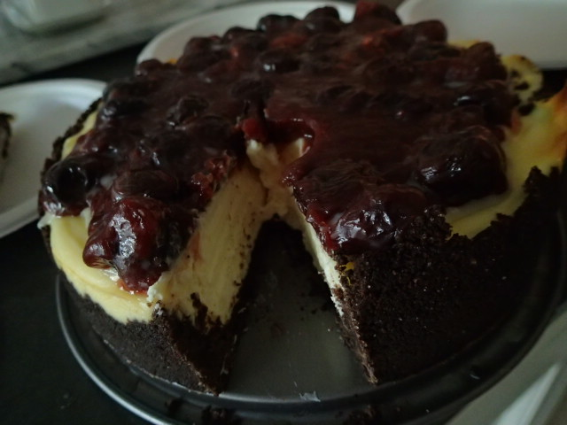Cherry Cheesecake (Rich & Creamy)